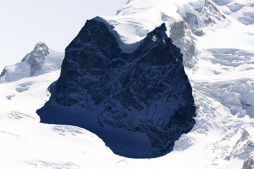 #64 La montagne s'ombre, Mont Rose, 2013, tirage pigmentaire sur papier Hahnemühle, collage sur Dibond 3mm facade acryl 4mm. Jacques Pugin Photographie Digital sur Papier